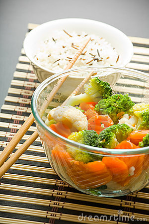Free Salad, Rice And Chopsticks Royalty Free Stock Photography - 4842627