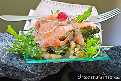 Salad with salmon and asparagu