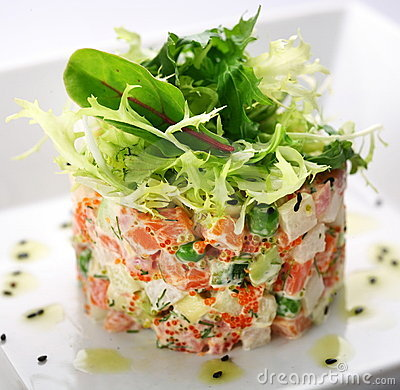 Free Salad With Salmon, Caviar And Arugula Stock Image - 12672551