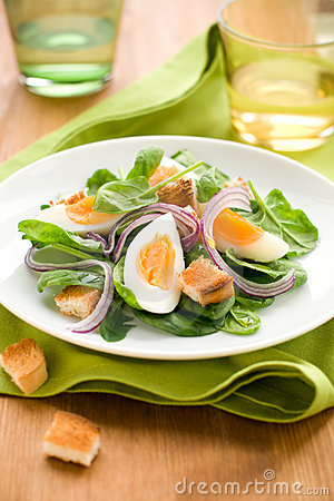 Free Salad With Spinach,eggs Stock Images - 13199884