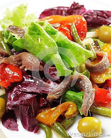Salada com anchova