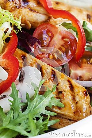 Salade de poulet chaude