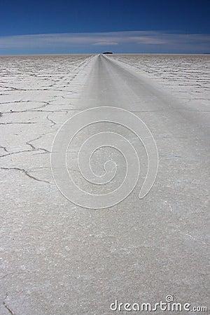 Salar de Uyuni road