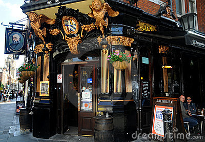 The Salisbury pub in London Editorial Photography