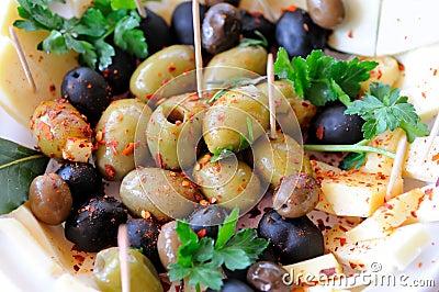 Sallad med olivgrön och ost