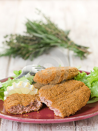 Salmon croquettes with  salad