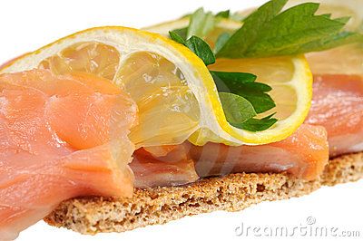 Salmon with lemon