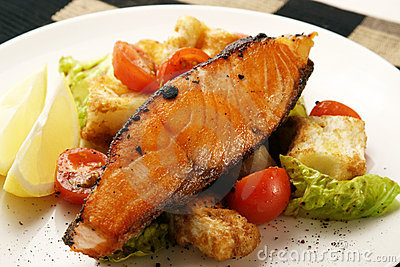 Salmon; pepper grilled