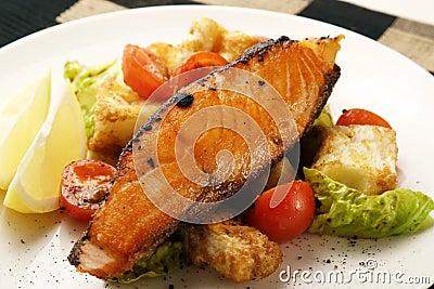 Salmones; pimienta asada a la parilla