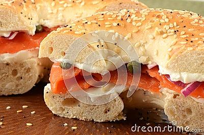 Salmoni affumicati sul bagel