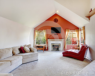 salon lumineux avec le mur d 39 orange de contraste photos stock image 37798413. Black Bedroom Furniture Sets. Home Design Ideas