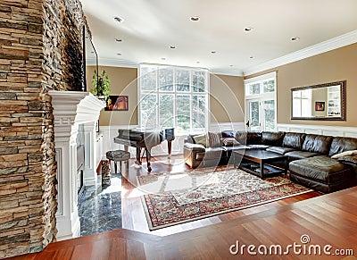 Salone di lusso luminoso con il legno duro della ciliegia for Arredamento soggiorno moderno di lusso