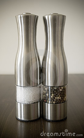 Salt and pepper shakers/grinders