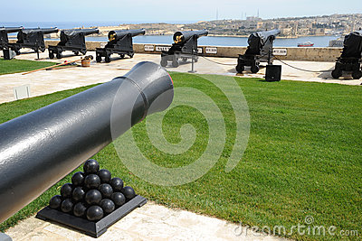 Saluting battery guns Malta