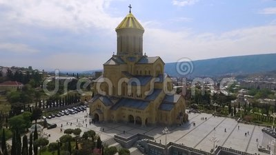 Sameba katedra w Tbilisi, wielki religijny budynek, dziejowy przyciąganie zdjęcie wideo