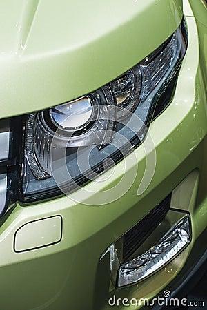 Samochodowy reflektor