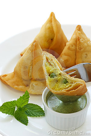 Free Samosa With Mint Chutney , Indian Food Stock Photography - 20422202