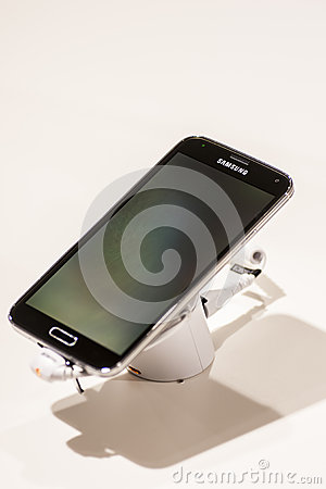 SAMSUNG GALAXY S5, MOBILE WORLD CONGRESS 2014 Editorial Stock Image