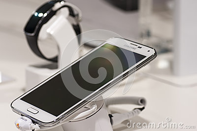 SAMSUNG GALAXY S5, MOBILE WORLD CONGRESS 2014 Editorial Stock Photo