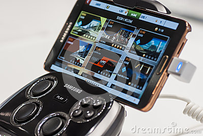 SAMSUNG S CONSOLE WITH GALAXY NOTE 3, MOBILE WORLD CONGRESS 2014 Editorial Stock Photo