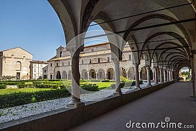 San Benedetto Po - claustro de la abadía