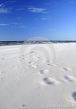 Sand, beach, sea, sky ..