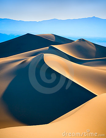 Free Sand Dunes Royalty Free Stock Photography - 5616757
