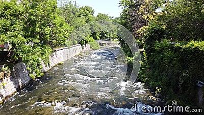 Sandanska Bistrica flod, Sandanski, Bulgarien lager videofilmer