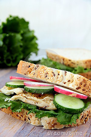 Sandwich with fresh vegetables and chicken