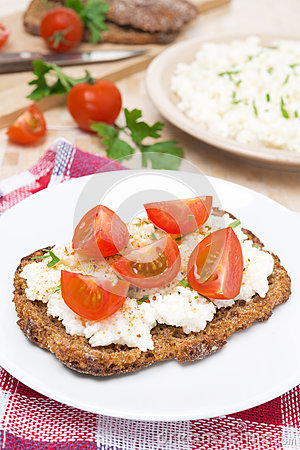 Free Sandwich With Homemade Cottage Cheese, Pepper, Herbs And Cherry Stock Photo - 35244580