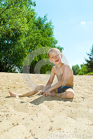 Free Sandy Beach Royalty Free Stock Photography - 40969197