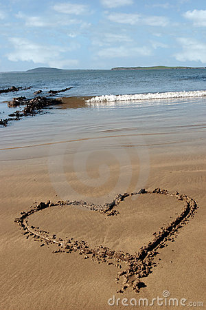 Free Sandy Love Heart Stock Image - 11766821