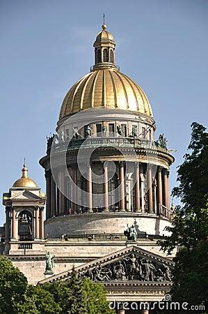 Sankt Petersburg sightseeing: Isaac cathedral