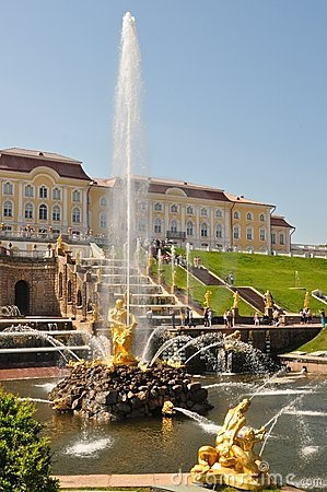 Sankt Petersburg sightseeing: Peterhof palace