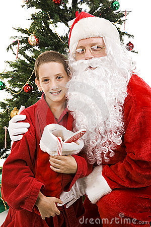Sankt und Little Boy auf Weihnachten