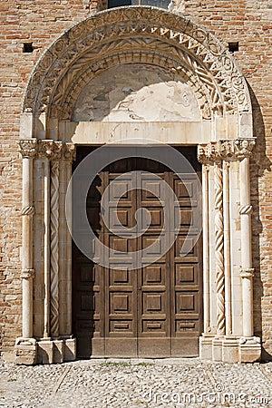 Santa Maria di Propezzano, door