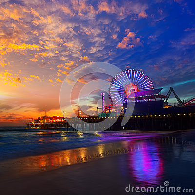 Free Santa Monica California Sunset On Pier Ferrys Wheel Royalty Free Stock Photo - 33856405