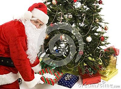 Santa sob a árvore