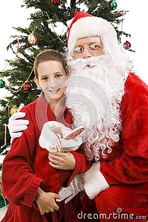 Santa y Little Boy en la Navidad