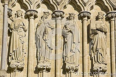 Santos femeninos, catedral de Salisbury