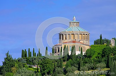 维罗纳Santuario della玛丹娜二卢尔德