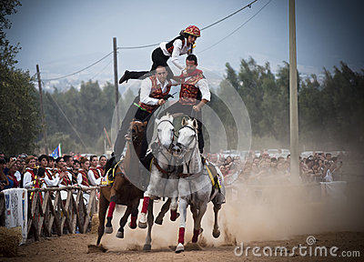 Sardinia. Zagrożenie na horseback Fotografia Editorial