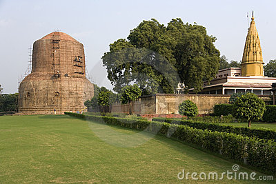 Sarnath - Buddhist Stupa - India
