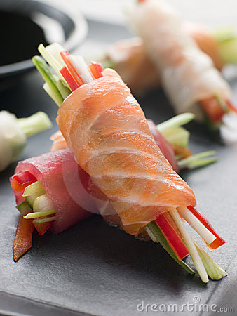 Free Sashimi And Vegetable Rolls With Soy Sauce Royalty Free Stock Photos - 5355118