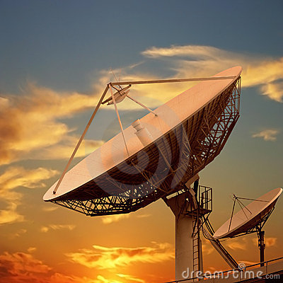Free Satellite Dishes Royalty Free Stock Photos - 10290188