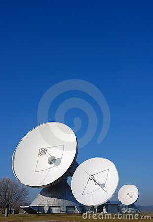Free Satellite Dishes Stock Photos - 2175443