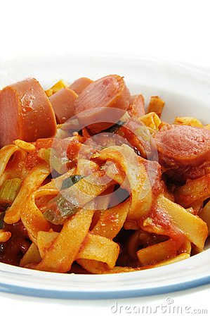 Free Sausages With Noodles Royalty Free Stock Image - 24924176
