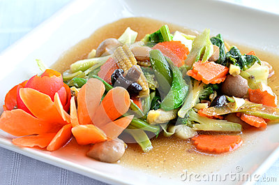 Sauted mixed vegetables in oyster sauce