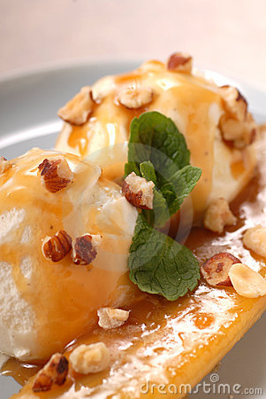 Sauteed banana with ice cream and caramel sauce