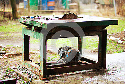 Sawing machine outdoors